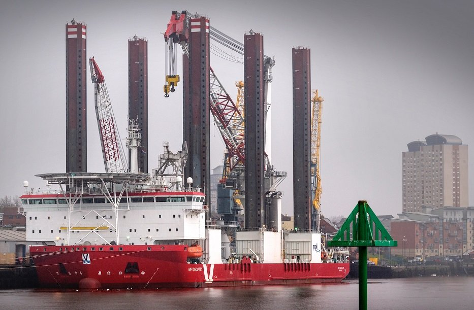 Giant vessel discovers Sunderland